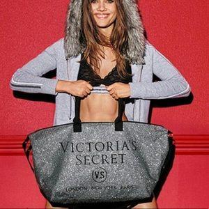 Victoria's Secret 2015 Limited Edition Duffel Bag
